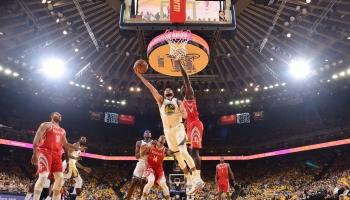 Warriors Buat Rockets tak Berkutik